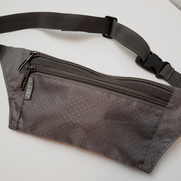 JBYD Handbags - 3/$20 JBYD Grey Diamond Slim Fanny Pack
